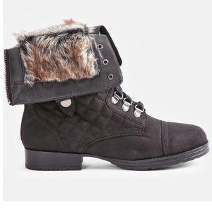 Accacia Faux Fur Trim Boot  Size: 8.5  Black
